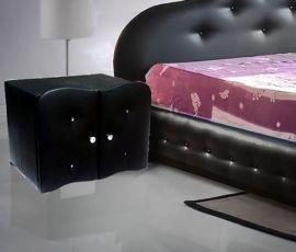 Yöpöytä Zara musta