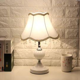 Pöytälamppu Demetra